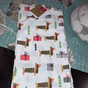 Other - Set of 2 NWT Dachshund Christmas kitchen towels 🎄